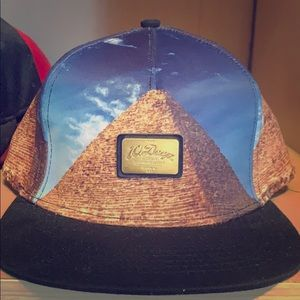 10 Deep Pyramid hat